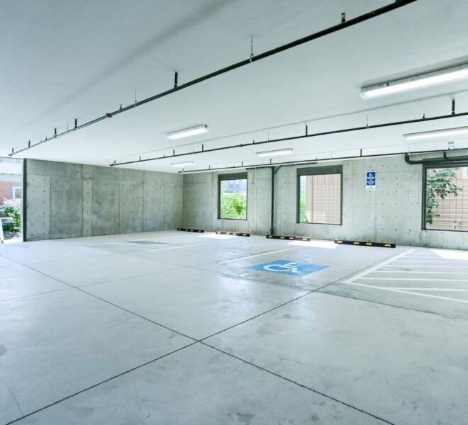 garage of Meadowbrook Park Condos in Ashland Oregon