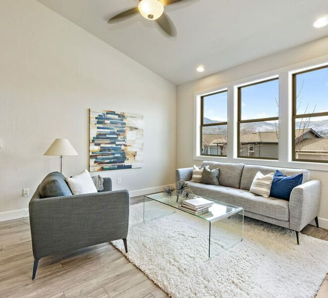 Meadowbrook townhomes living room