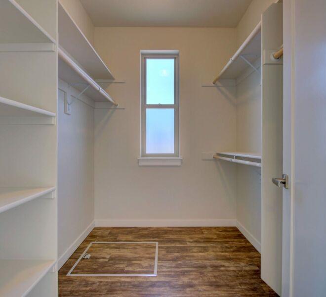 Verde Vilage Phase 2 walk in closet